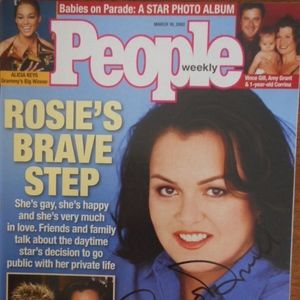 ROSIE O'DONNELL Signed  People Magazine Cover 2002
